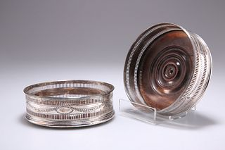 A PAIR OF OLD SHEFFIELD PLATE WINE COASTERS, CIRCA 1780, ci