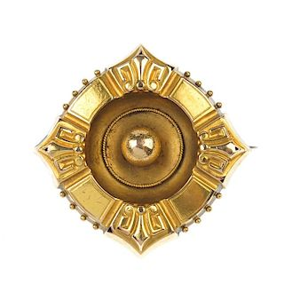 An 18ct gold late Victorian mourning brooch. The square-shape brooch with fleur-de-lys to each corne