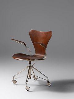 Arne Jacobsen (Danish, 1902-1971) Sevener Desk Armchair, model 3217
