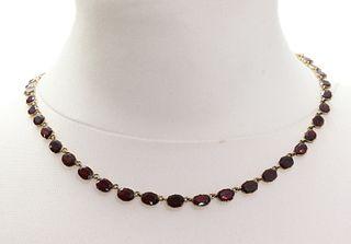 A Georgian garnet rivi?re necklace, c.1800,