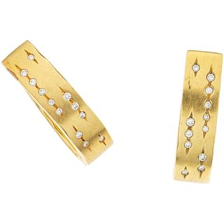 PAIR OF EARRINGS WITH DIAMONDS IN 18K YELLOW GOLD, H. STERN Brilliant cut diamonds ~0.24 ct