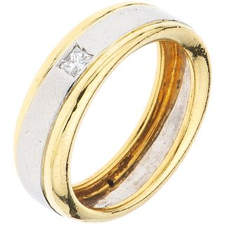 RING WITH DIAMOND IN WHITE AND YELLOW 18K GOLD, SALVINI 1 Princess cut diamond ~0.15 ct. Size: 7