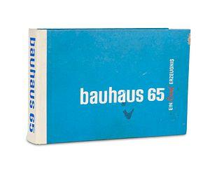 bauhaus 65. Ein Rasch Erzeugnis. Musterbuch mit über 100 Bauhaus-Tapeten. o.O.,(Tapetenfabrik Gebr. Rasch, 1965). Quer-4°. OHLdr. mit geprägtem DTit
