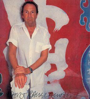 Rauschenberg, Robert Zeitschriftenausschnitt. 20 cm x 18,5 cm. Gerahmt unter Glas.