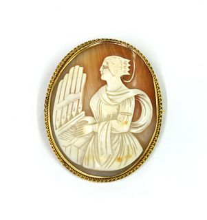 A 9ct gold shell cameo brooch,