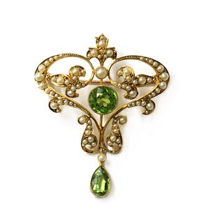 An Edwardian gold peridot and split pearl brooch/pendant,