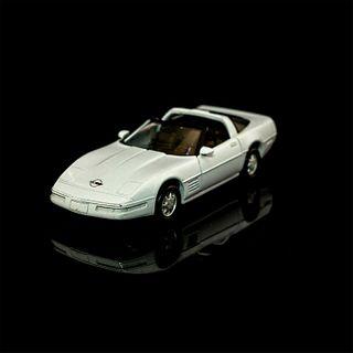 Maisto White Chevrolet Corvette ZR-1 Diecast Toy Car
