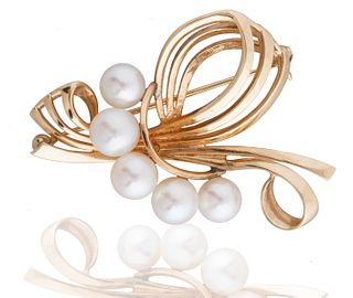 MIKIMOTO TOKYO CULTURED PEARL AND GOLD BROOCH