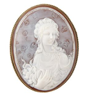 AN EARLY 19TH CENTURY LARGE VICTORIAN CAMEO BROOCH