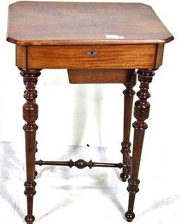 19th CENTURY MAHOGANY SEWING TABLE.