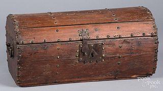 Pine dome lid box, 19th c.