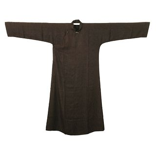 A CARAMEL-GROUND EMBROIDERED ROBE