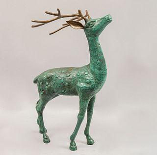 ANÓNIMO. Venado. Siglo XX. Fundición en bronce patinado. Detalles de conservación. 51 cm altura