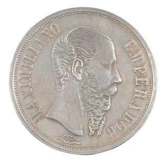AJ - Navalón - Ocampo - Spiritu. Un Peso, Maximiliano Emperador. México, 1866. Expedida en Guanajuato. Plata, 37 mm.