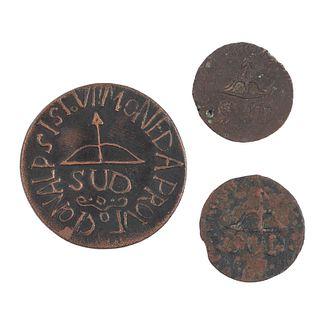 """Morelos y Pavón, José María. 2 y 8 Reales """"SUD"""". México, 1812. Monedas en cobre. Anverso: Monograma de Morelos """"8. R. 1812""""."""