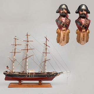 Lote de artículos marinos. SXX. Consta de: Barco a escala. Elaborado en madera. Modelo Flying Cloud Clipper Ship. Otros. Piezas: 3