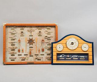 Lote de nudos marineros. Estados Unidos, SXX. Elaborados en cuerda y metal. Enmarcados, uno con placa referida. 45 x 60 cm (mayor).