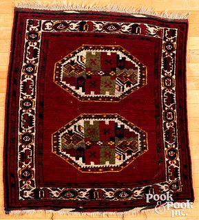 Semi antique Shiraz mat