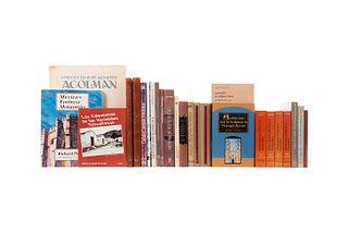 Libros sobre Arquitectura Mexicana. Varios tamaños. Algunos títulos: Antiguas Haciendas de México; La Casa de los Azulejos... Pzs: 25.