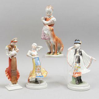 Lote de figuras decorativas. Hungría, SXX. Elaborados en porcelana Herend. Acabado brillante. 21.5 cm de altura (mayor). Piezas: 4
