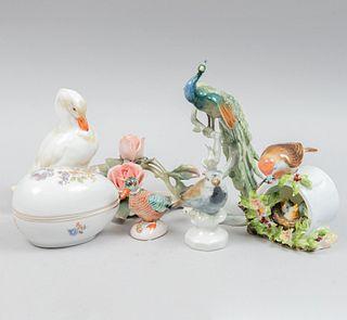 Lote de artículos decorativos. Alemania e Inglaterra, SXX. Elaborados en porcelana Meissen, Kaiser, Adderley y otras. Piezas: 7