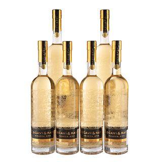 Scavi & Ray. Grappa Oro. Licor de orujo. Italia. Piezas: 6. En presentaciones de 700 ml.