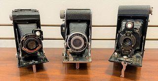 Collection Antique Cameras, Kodak, Foldex, etc.