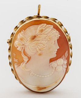 Vintage 14K Yellow Gold Oval Cameo Brooch/ Pendant