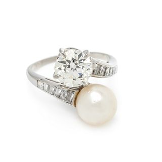 DIAMOND AND CULTURED PEARL 'TOI ET MOI' RING