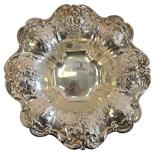 Reed and Barton Francis I Footed Bowl, with repousse border, diameter 11 1/2 inches, 22.6 t.oz. Provenance: Waterfront Estate, Stamford, CT.