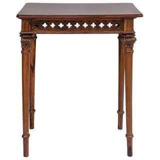 MESA Ca. 1900 Tallada en madera de ébano con rosetones y soportes torneados con acantos Detalles de conservación 73 x 62 x 44 cm | TABLE Ca. 1900 Carv