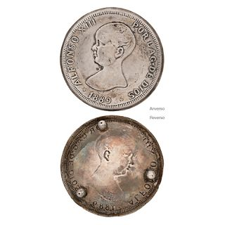 CENICERO Con la inscripción grabada: ALFONSO XIII POR LAG-DE DIOS, 1889 Elaborado de plata Madrid 11.5 cm diámetro | ASHTRAY Engraved inscription: ALF