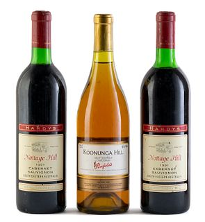 Set of a Koonunga Hill bottle, vintage 1992 and two Hardys Nottgate Hill bottles, vintage 1991. Penfolds Wines Pty and Hardy & Sons Pty. Categories: C