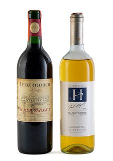 Set of two bottles, a Lenz Moser, vintage 1993 and a Höpler, vintage 1993. Lenz Moser Winery and Höpler gmbh. Category: Grüner Veltliner white wine. Z