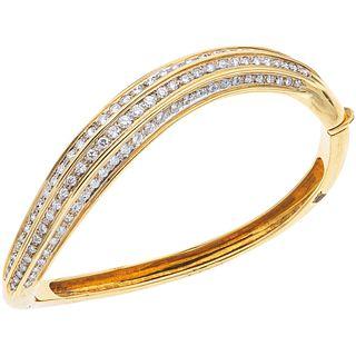 PULSERA CON DIAMANTES EN ORO AMARILLO DE 18K con diamantes corte brillante  ~3.0 ct. Peso: 33.5 g   BRACELET WITH DIAMONDS IN 18K YELLOW GOLD Brillian