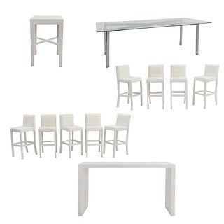 Set de muebles para bar. SXXI. Elaborado en madera y aluminio Consta de 9 Sillas altas. Con respaldos cerrados y mesas.
