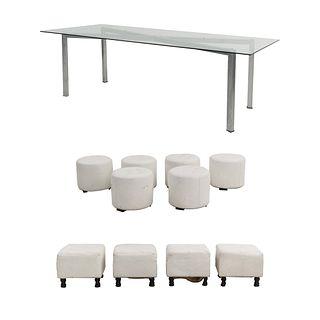Lote de taburetes con mesa. SXXI Estructura de madera con tapicería de vinipiel color blanco. Unos con motivos capitonados.