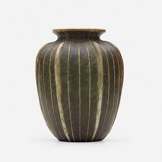 Martin Brothers Pottery, Vase