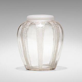 Rene Lalique, Cariatides lidded vase
