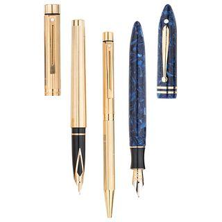 Pluma fuente y juego de pluma fuente y bolígrafo en celulosa y metal base dorado de la firma Sheaffer. Pluma fuente de la colecció...