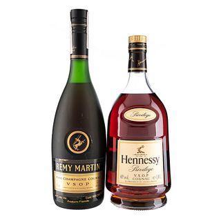 Lote de Cognac. Rémy Martin. V.S.O.P. Hennessy. V.S.O.P. Total de Piezas: 2.