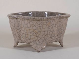 Chinese Quatrefoil Ge Ware Style Bowl