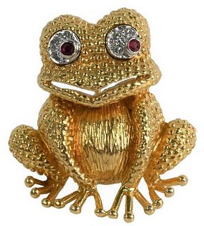 18 Karat Gold Frog Brooch, having diamond and ruby eyes, height 1 1/4 inches, 17.7 grams.
