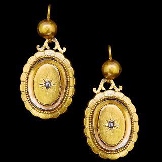 ANTIQUE VICTORIAN PAIR OF DIAMOND DROP EARRINGS