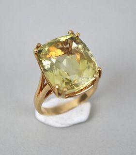 14K Gold & Green Stone Ring