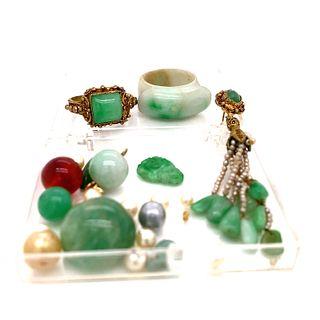 Box of Jade, Pearl, and Carnelian Beads
