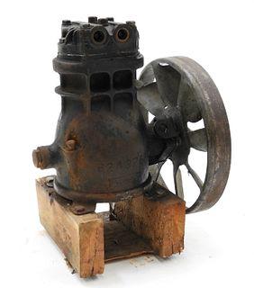 Upright Fly Wheel Steam Engine