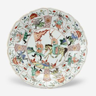 "A Chinese famille verte ""Mu Guyiying"" dish 五彩""穆桂英""瓷盘 circa 约 1700-1725"