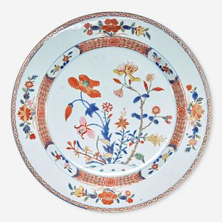 """An unusual Chinese export porcelain """"rose-verte"""" floral-decorated charger 五彩出口瓷大盘 Kangxi/Yongzheng period 清 康熙或雍正"""