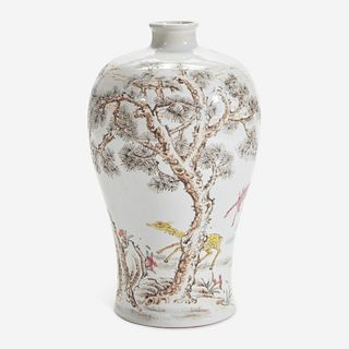"""A Chinese famille rose-decorated """"Deer and Crane"""" meiping vase 粉彩""""鹿鹤""""梅瓶 Chenghua six-character mark but later 成化六字款 年代为成化以后"""